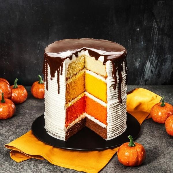 Halloween Kuchen mit mehreren leckeren Schichten