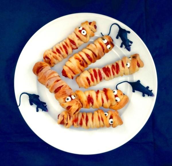 Halloween Snacks Kinder Gespenster herzhaftes Fingerfood Blätterteig
