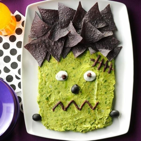 Halloween Snacks Kinder herzhaftes Fingerfood Frankenstein Monster Avokado Chips