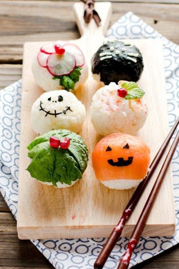 Halloween Snacks Kinder herzhaftes Fingerfood Halloween Sushi