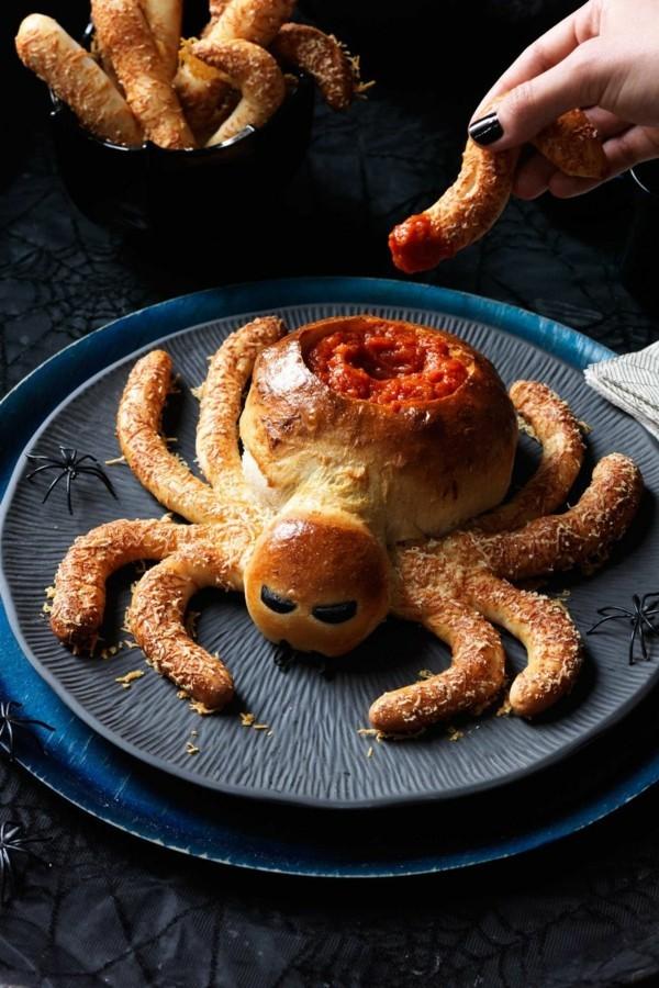 Halloween Snacks Kinder herzhaftes Fingerfood Spinne backen
