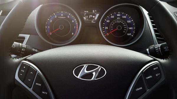Hyundai entwickelt Tempomat, der Ihr Fahrverhalten nachahmt lenkrad von hyundai mit tempomat optionen