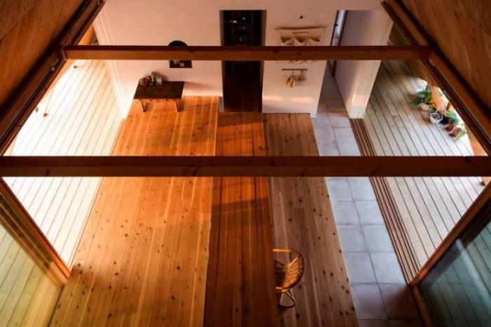 Minimalistisches Haus in Japan Holzbalken und Holzvertäfelung Möbel und Dekoration traditionell minimalistisch