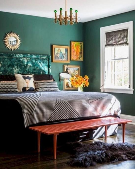 Schlafzimmer herbstlich gestalten Wandfarbe Türkis Akzente