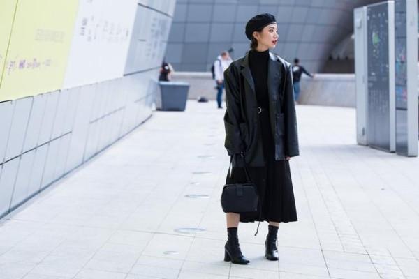 Schwarz auf Shcwarz - Seoul Fashion Week Street fashion
