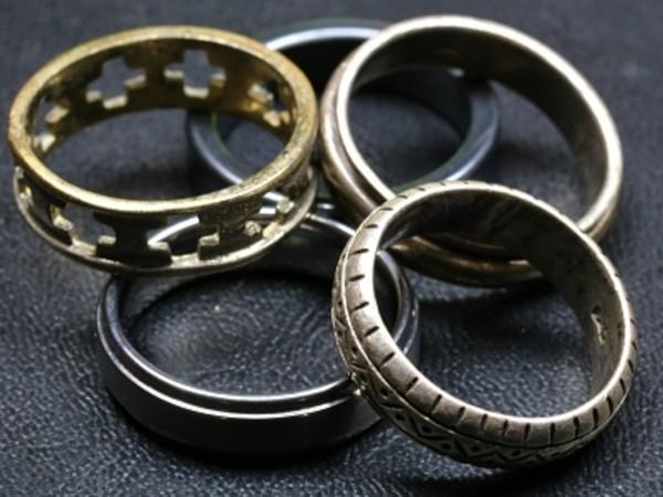 Silberschmuck reinigen - tolle kleinen Ringe