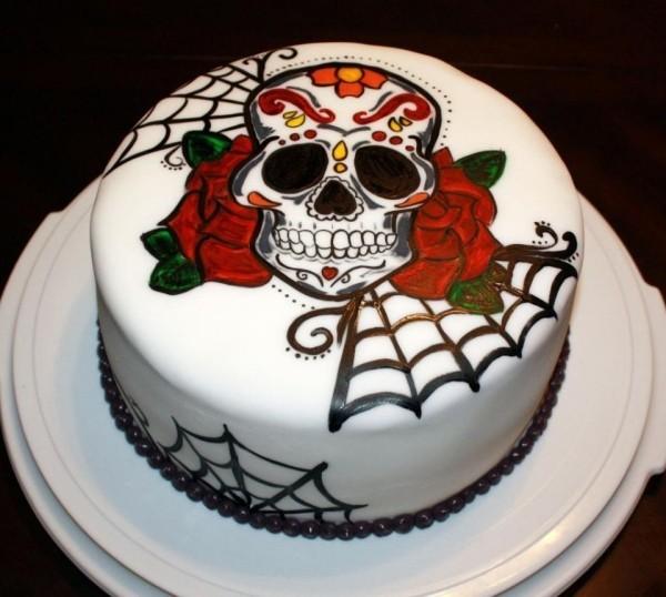 Skellett Halloween Kuchen mit weißer Glasur
