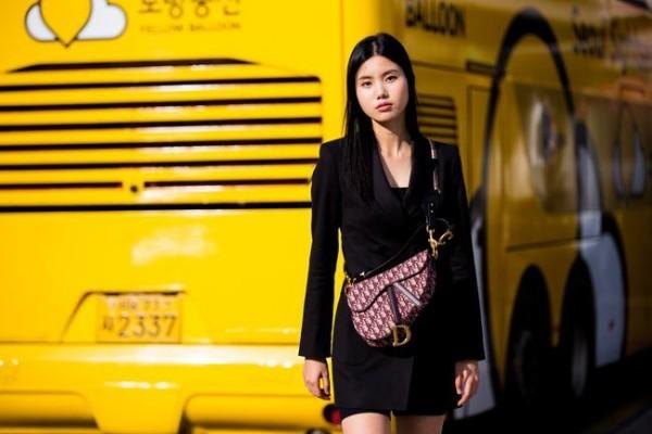 Street fashion - Gelber Buss - Street Fashion
