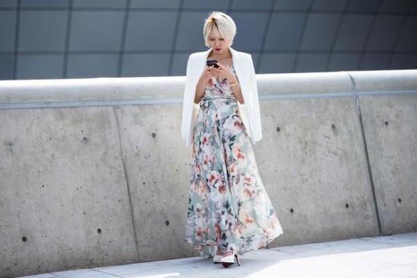 Δερμάτινο φούστα με μοντέλα