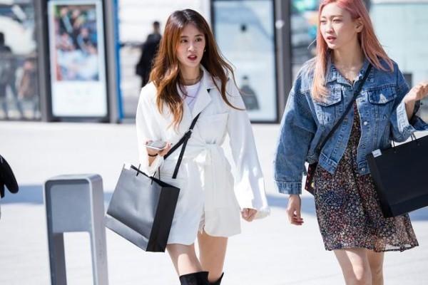 Street fashion street style zwei frauen