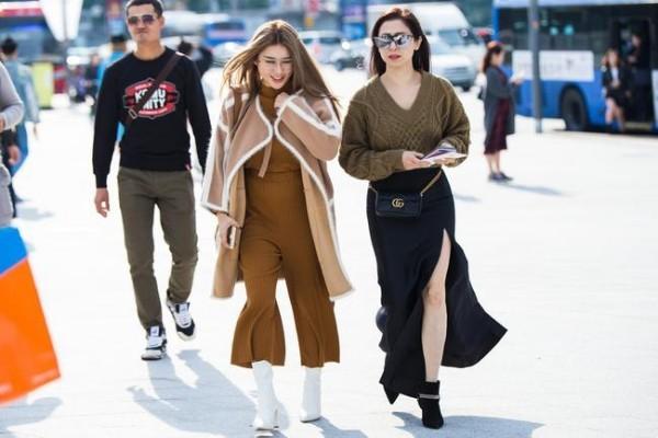 Μόδα Street - δύο μεγάλες γυναίκες - Street Fashion