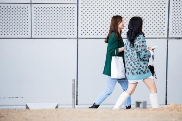 Street fashion - zwei tolle Damen - Street Fashion