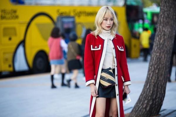 Street style μοντέρνο κόκκινο χρώμα - Street fashion