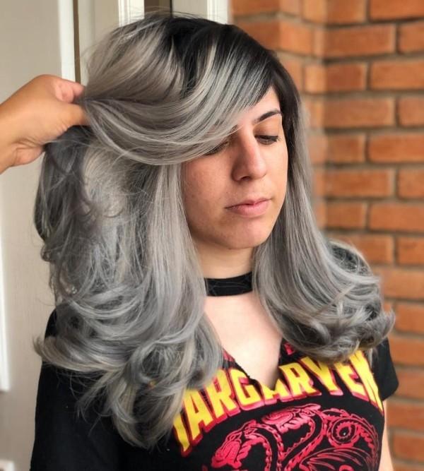 Teenager Look - Haare grau färben