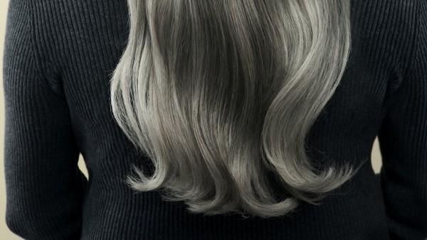 Tolle Haarspitzen - Haare grau färben