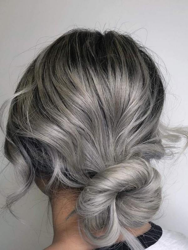 Toller Zopf - Haare grau färben