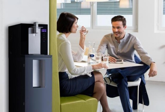 Top 5 Vorteile der leitungsgebundenen Wasserspender für Zuhause und Büro wasserverteiler im büro