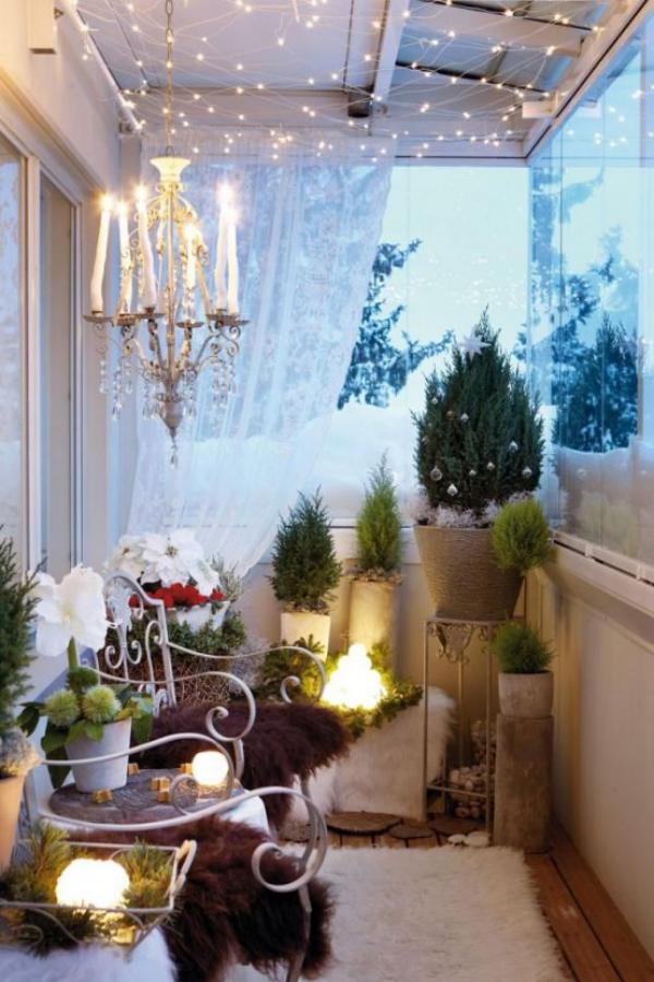 Weihnachtsdeko für Balkon herrlich dekoriert weiche Stoffe