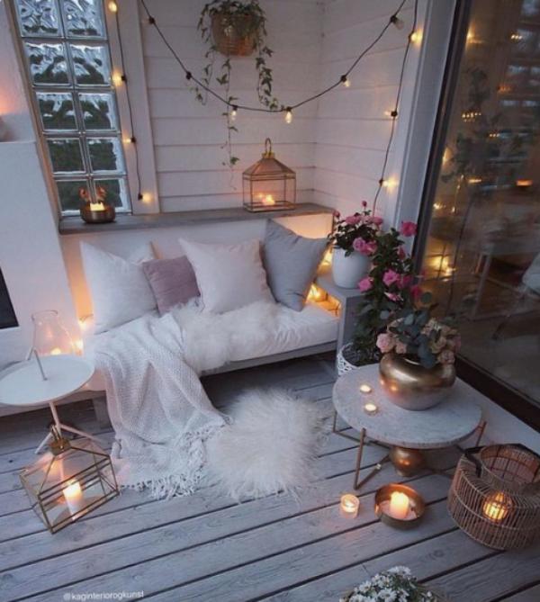 Weihnachtsdeko für Balkon in Weiß