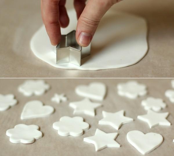Weihnachtssterne basteln Fimo Ideen Ausstechform Polymer Ton weiß
