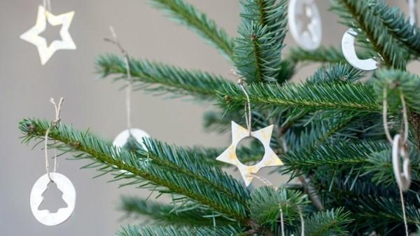 Weihnachtssterne basteln Fimo Ideen DIY Weihnachtsdeko Polymer Ton Sterne weiß
