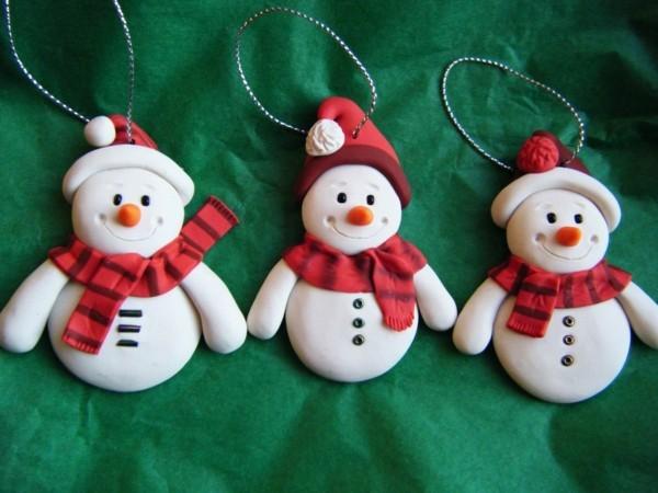 Weihnachtssterne basteln Fimo Ideen DIY Weihnachtsdeko selber machen Schneemännchen