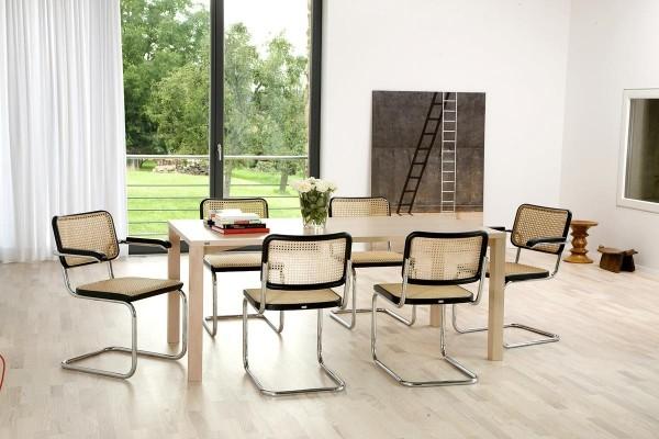 Wohnzimmer mit verschiedenen Möbeln - Wiener Geflecht