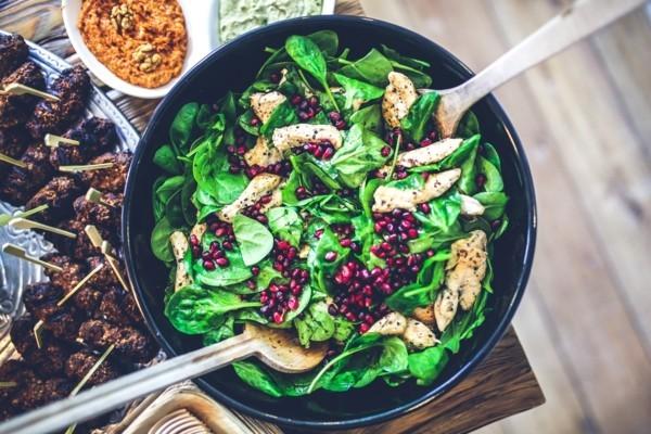 granatapfel salat mit spinat