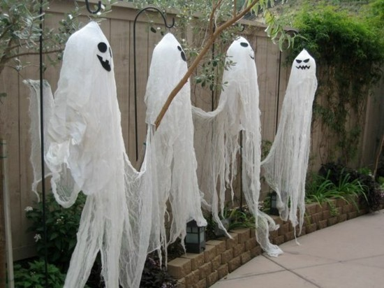 halloween aussen deko gespenster basteln