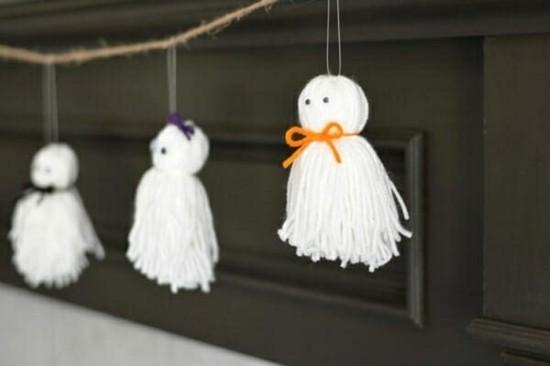 halloween girlande gespenster basteln aus garn
