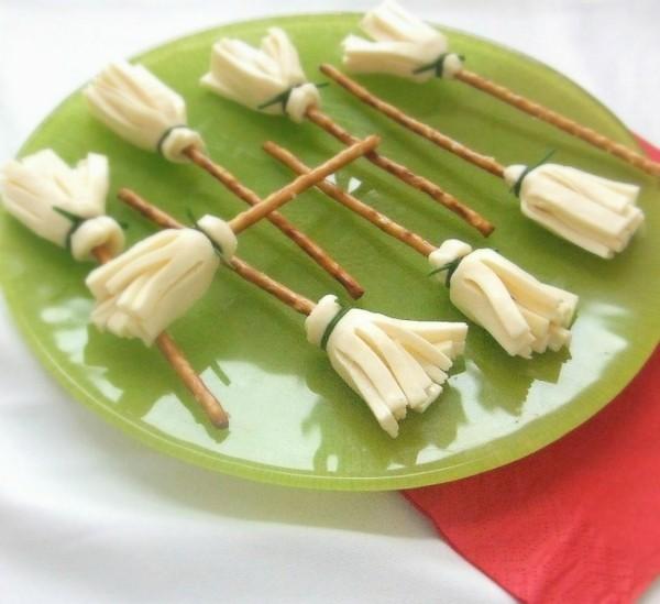 halloween ideen fingerfood für kinder käse salzstangen
