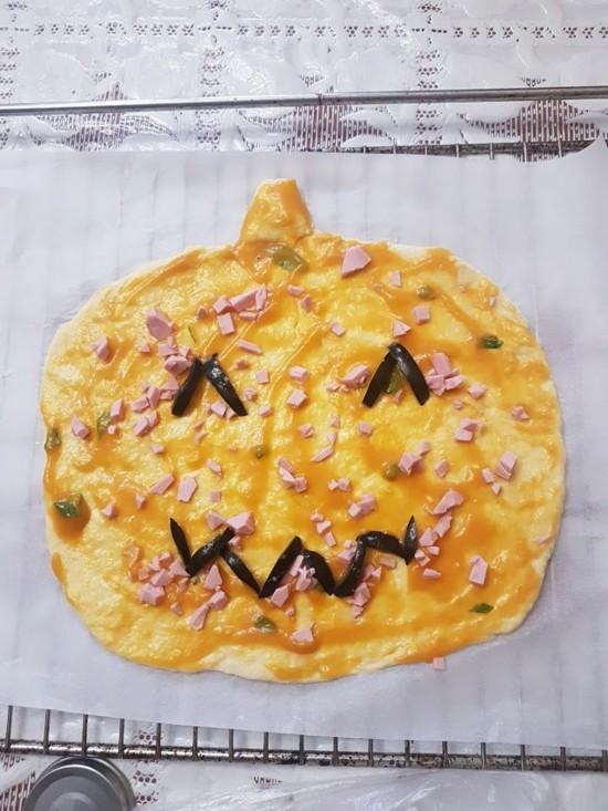 hallowen kürbis gesicht pizza belag ideen