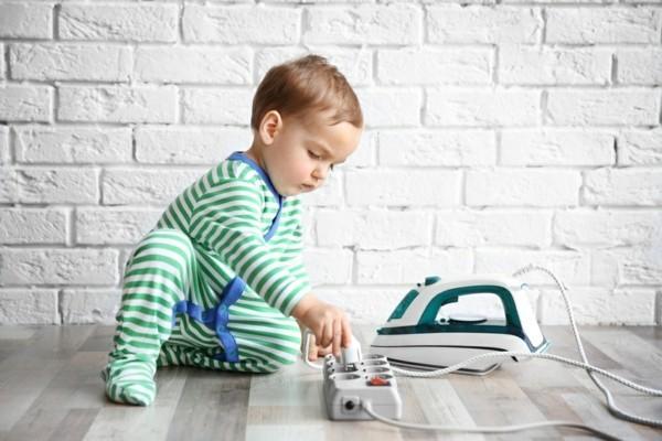 haushalt kindersicher steckdosen mit kinderschutz
