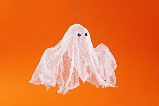 kleine gespenster basteln halloween deko anhänger