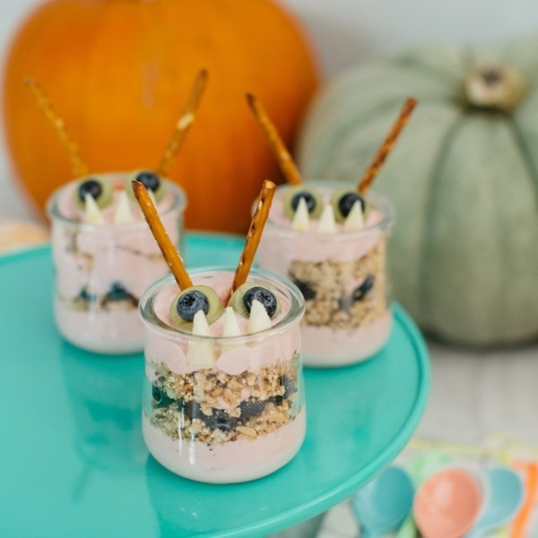 leckere halloween monsters im glas