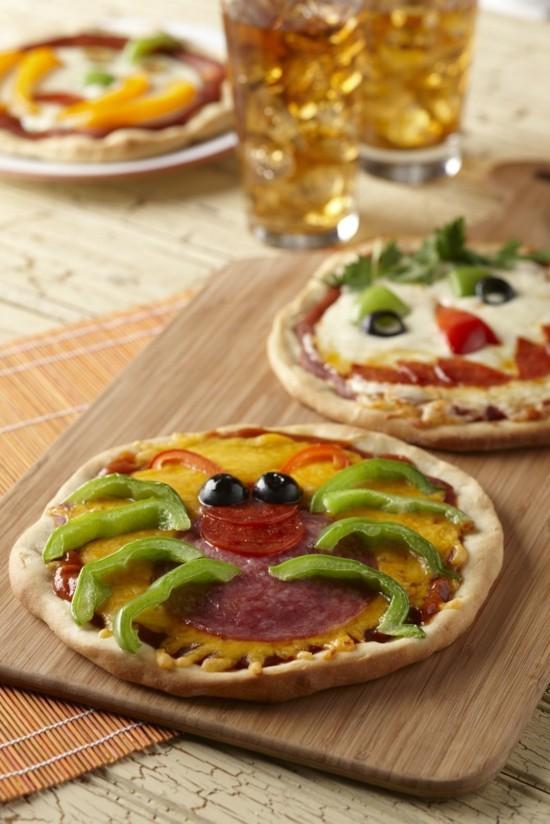 lustige halloween pizza belag ideen spinne geister