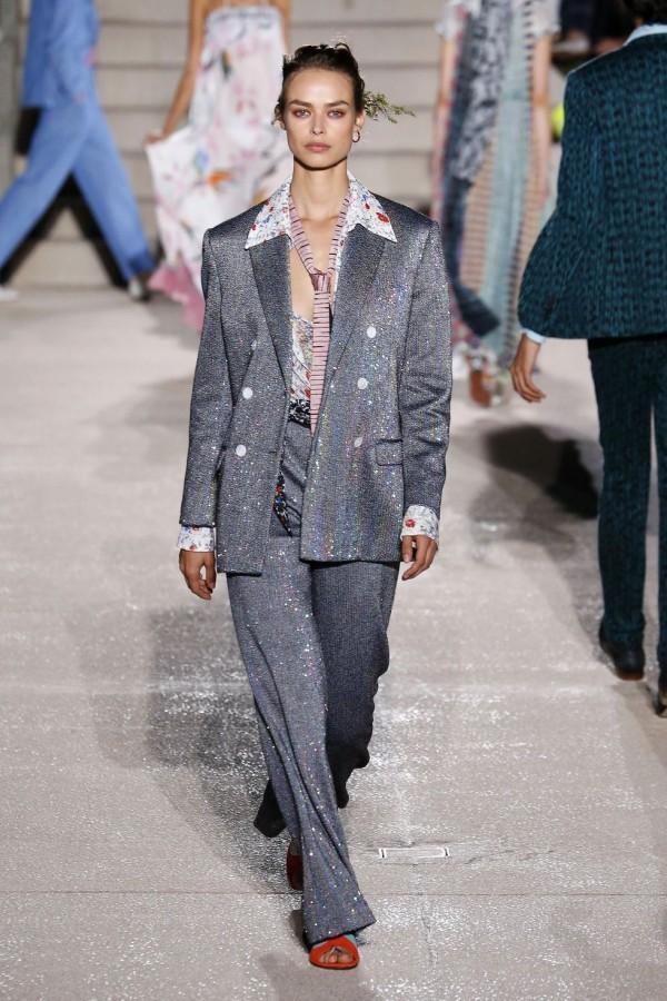 mailand fashion week - modetrends geschäftsalltag