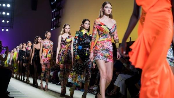 mehrere kleider ideen mailand fashion week