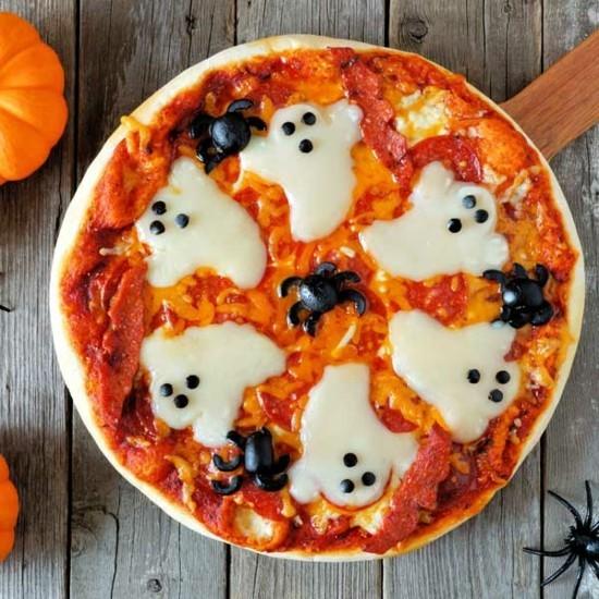 mozzarella oliven pizza belag ideen halloween gespenster spinnen