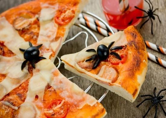 oliven spinnen halloween pizza belag ideen