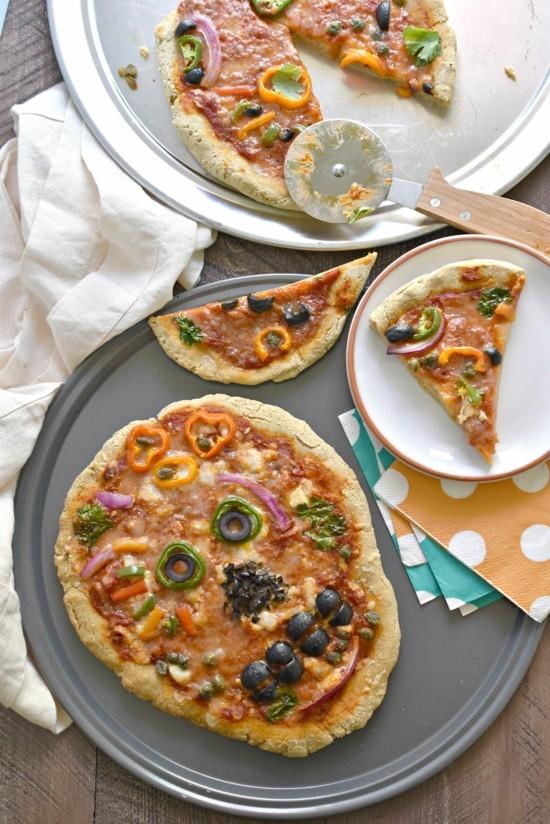 originelle pizza belag ideen halloween totenkopf