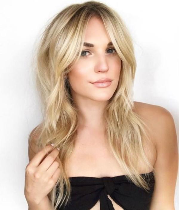 sehr lange blonde Haare - frisuren für dünne haare