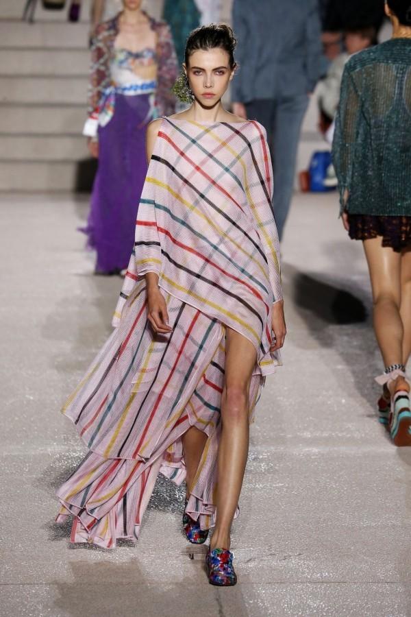 streifen mit mustern mailand fashion week