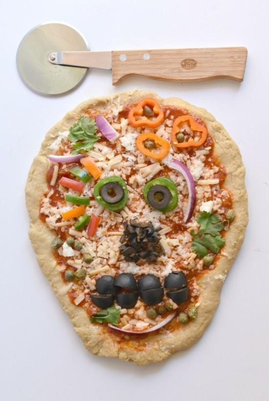 totenkopf pizza belag ideen zu halloween für vegetarier