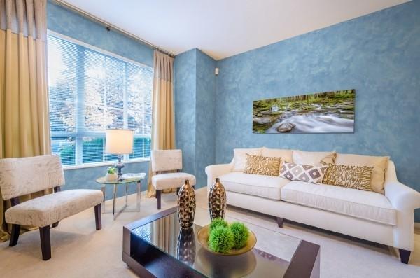 venezianischer putz - hellblaue Wandgestaltung