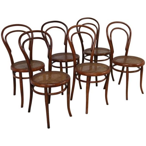 wiener geflecht - mehrere braune stühle