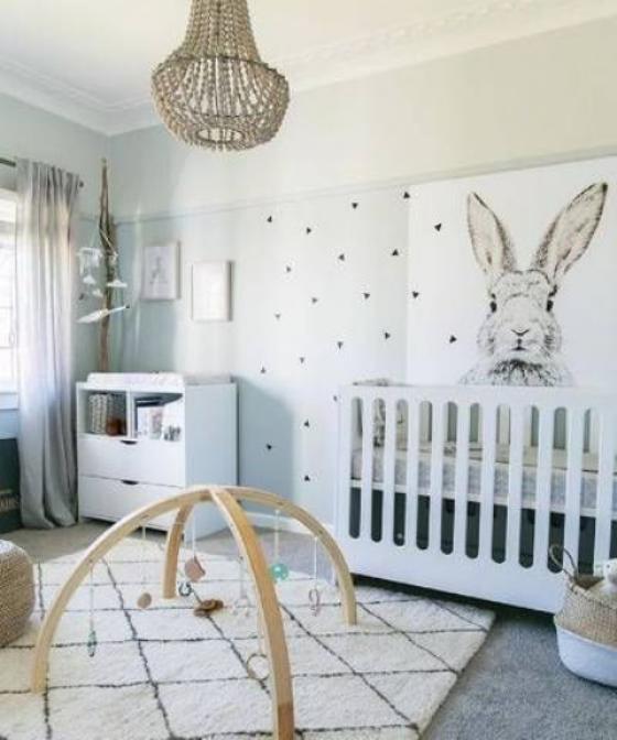 Babyzimmer in Weiß schön gestaltetes Zimmer stilvolles Design Spielmöglichkeiten