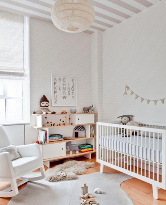 Babyzimmer in Weiß schönes Raumdesign wahres Spielparadies für Baby