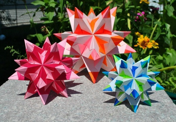 Bascetta Sterne basteln Anleitung 3D Papiersterne bunt