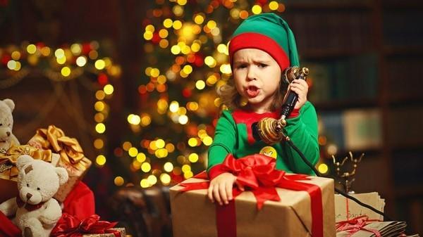 Den Weihnachtsmann anrufen Kinder Freude bereiten